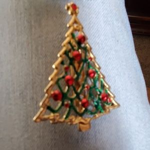 Jewelry - 2 holiday lapel pins